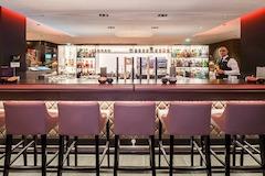 Bar/Cocktail Lounge