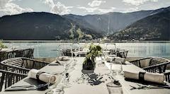 """Restaurant Terrasse """"SEE LA VIE"""" mit direkten Blick auf den Zeller See"""